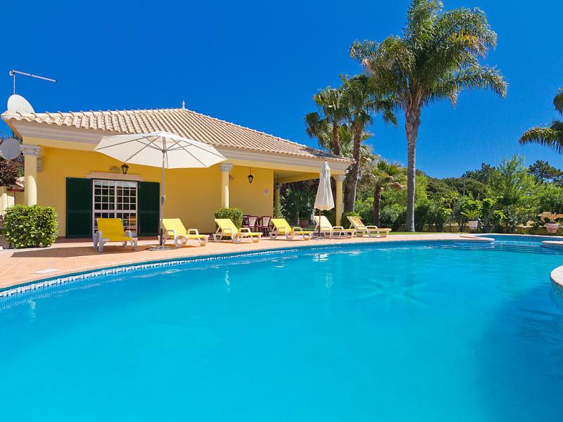 Casa das palmeiras 1481821,Vivienda de vacaciones  con piscina privada en Quinta do Lago, en la Algarve, Portugal para 6 personas...