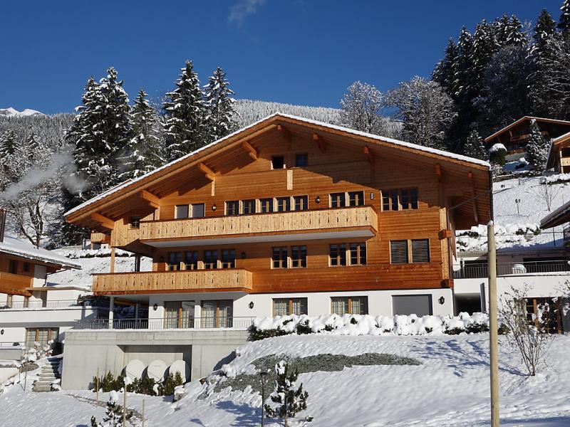 Chalet mittellegi 1481922,Vivienda de vacaciones en Grindelwald, Bernese Oberland, Suiza  con piscina privada para 8 personas...