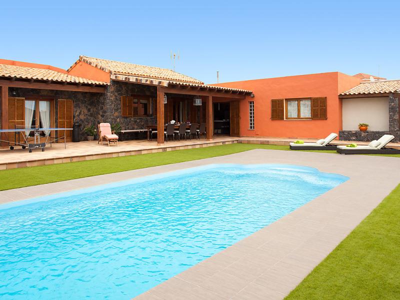 Villa mase 1482685,Vivienda de vacaciones  con piscina privada en La Asomada, Lanzarote, España para 6 personas...
