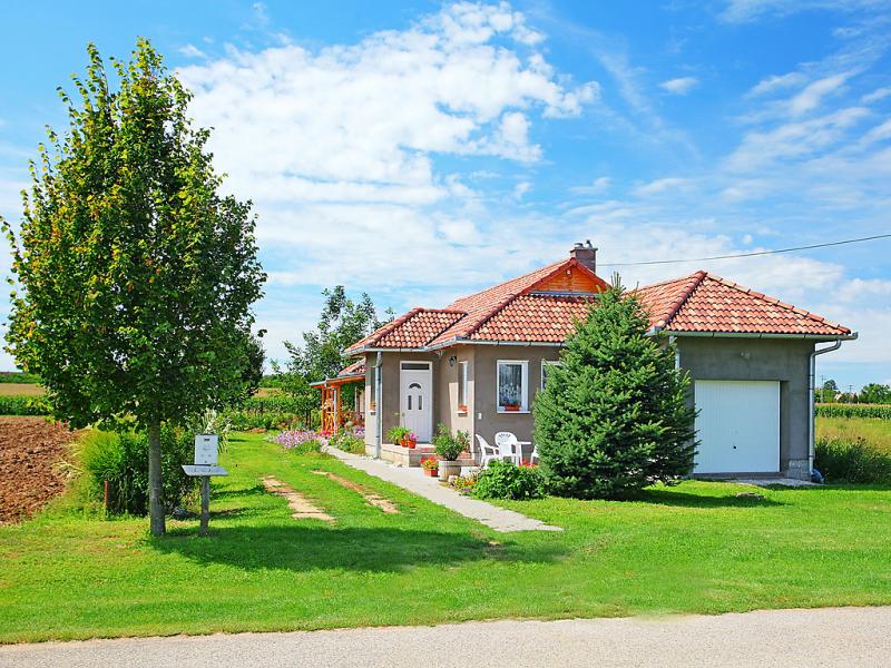 1482756,Villa en Balatonboglar-Balatonoszod, Balaton Somogy, Hungría para 4 personas...