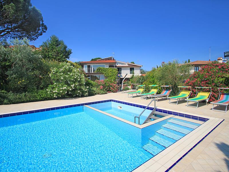La rosa 1483182,Vivienda de vacaciones en Montelupo Fiorentino, en Toscana, Italia  con piscina privada para 13 personas...