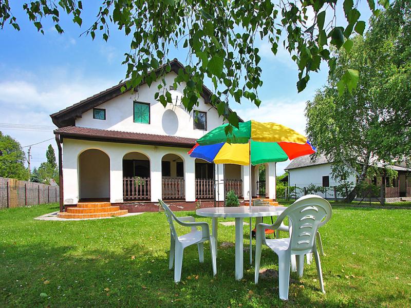 1483353,Vivienda de vacaciones en Balatonmáriafürdö, Balaton, Hungría para 5 personas...