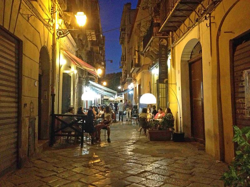 Orologio 1483813,Apartamento en Palermo, Sicily, Italia para 4 personas...