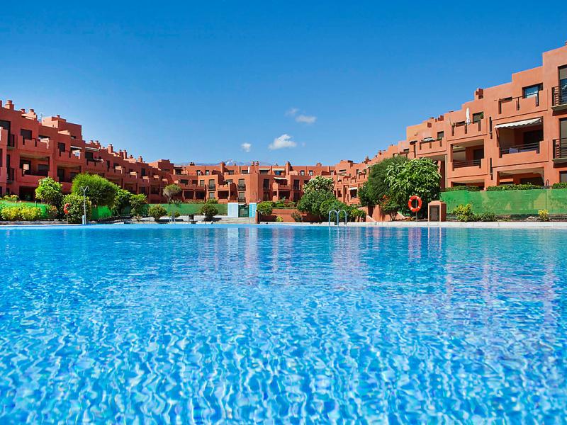 Pizarro 1484369,Apartamento  con piscina privada en El Médano, Tenerife, España para 4 personas...