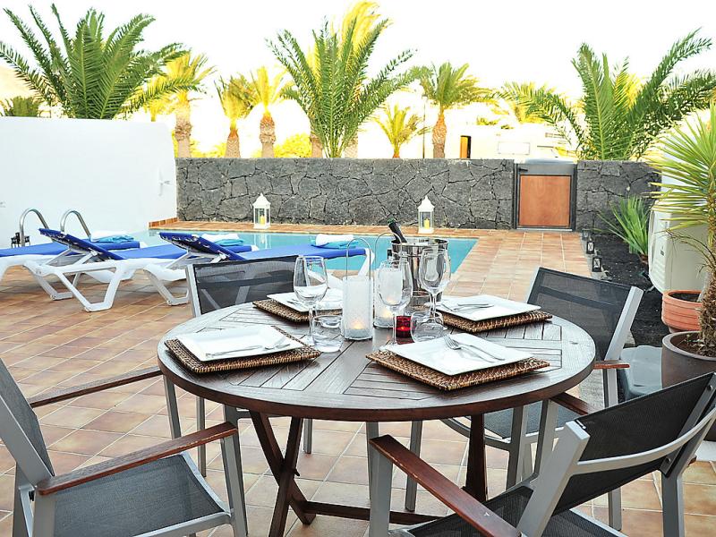 Villa ensueo 1484447,Vivienda de vacaciones en Playa Blanca, Lanzarote, España  con piscina privada para 6 personas...