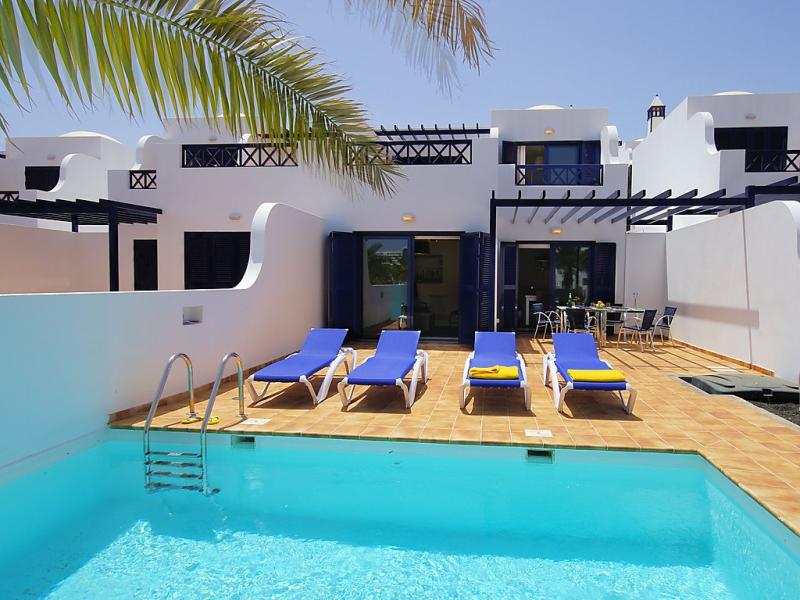 Villa amanecer 1484463,Vivienda de vacaciones en Playa Blanca, Lanzarote, España  con piscina privada para 6 personas...