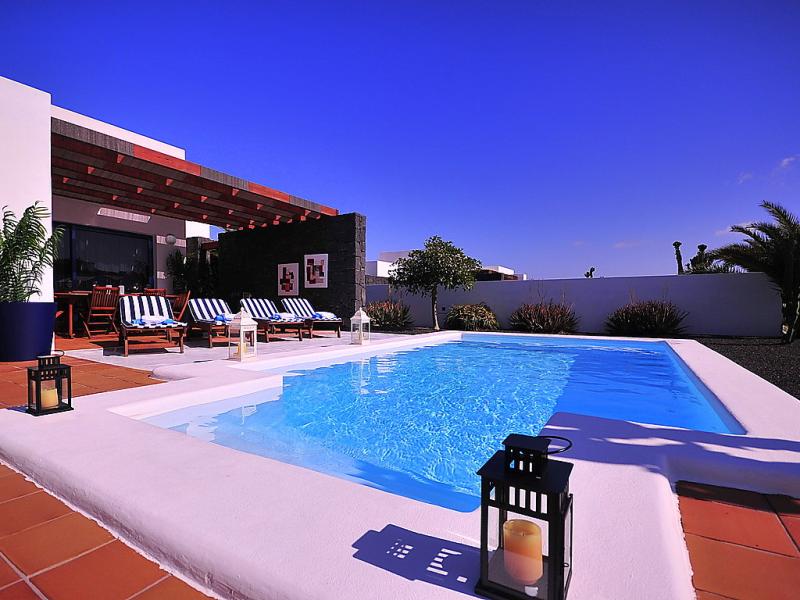 Bellavista 1484479,Vivienda de vacaciones  con piscina privada en Playa Blanca, Lanzarote, España para 4 personas...