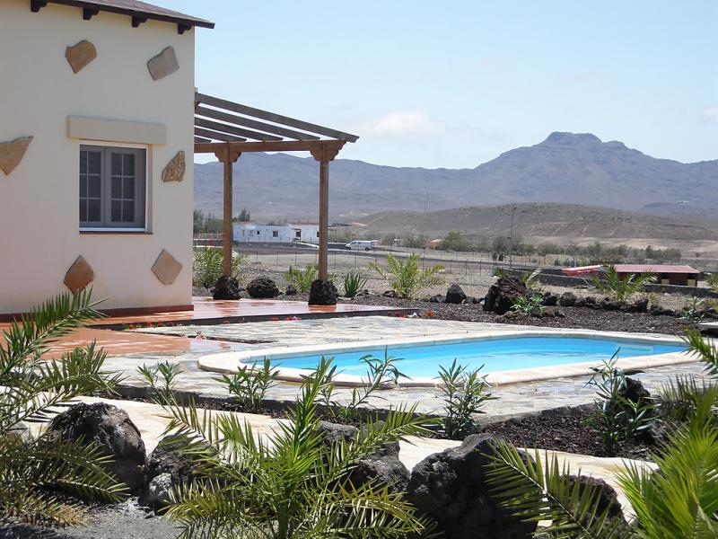 La fuentita 1484739,Vivienda de vacaciones  con piscina privada en Gran Tarajal, Fuerteventura, España para 6 personas...