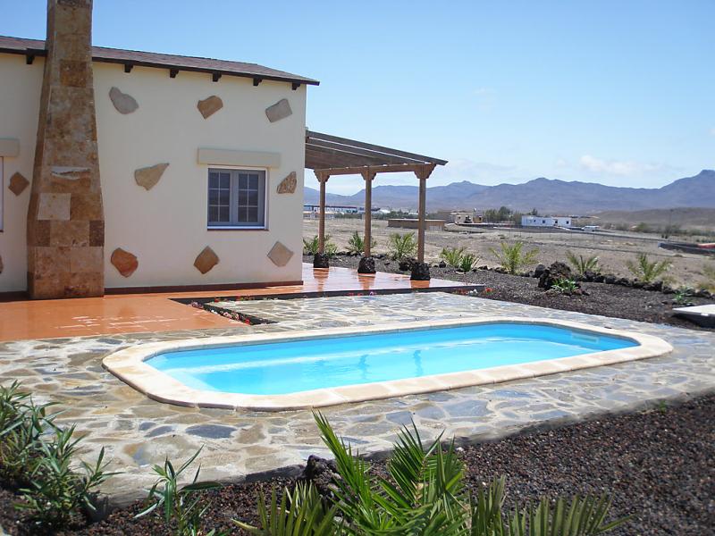 Alquiler de 11 casas de vacaciones en fuerteventura for Villas con piscina privada en fuerteventura
