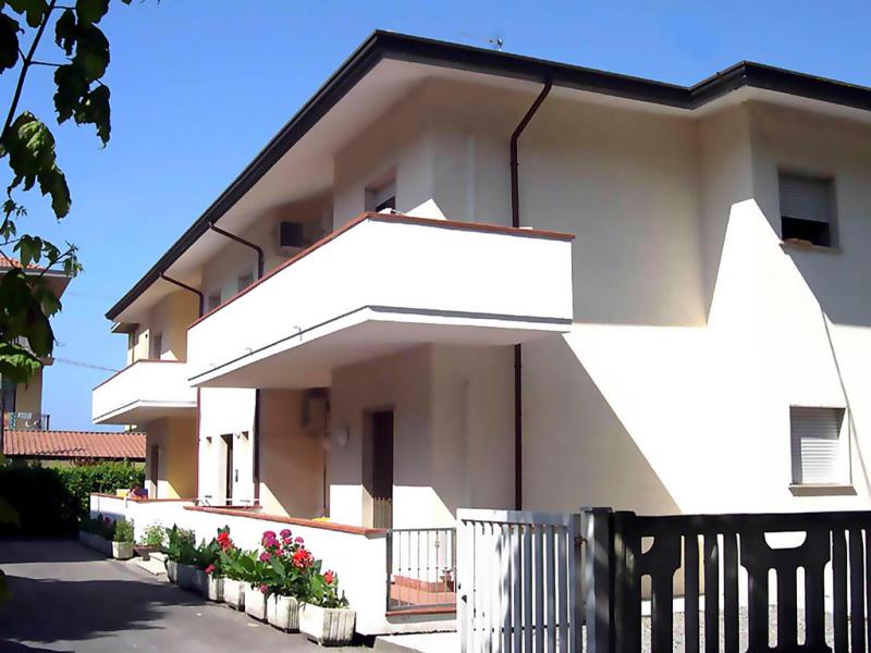 Olivi t6 1484831,Apartamento en Marina Di Massa, Tuscany, Italia para 6 personas...