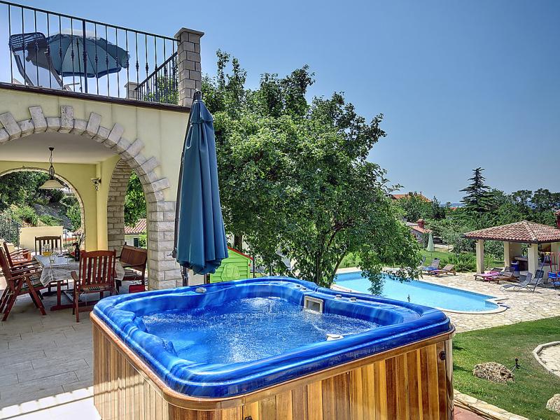 1485653,Vivienda de vacaciones en Medulin-Ližnjan, Istria, Croacia  con piscina privada para 16 personas...