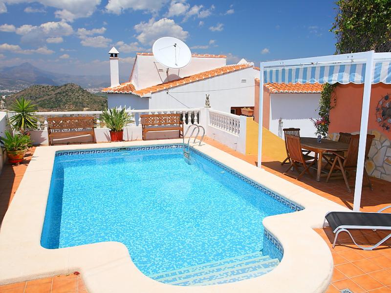 Casa joli tossal gros 1485866,Vivienda de vacaciones  con piscina privada en Oliva, en la Costa Blanca, España para 6 personas...