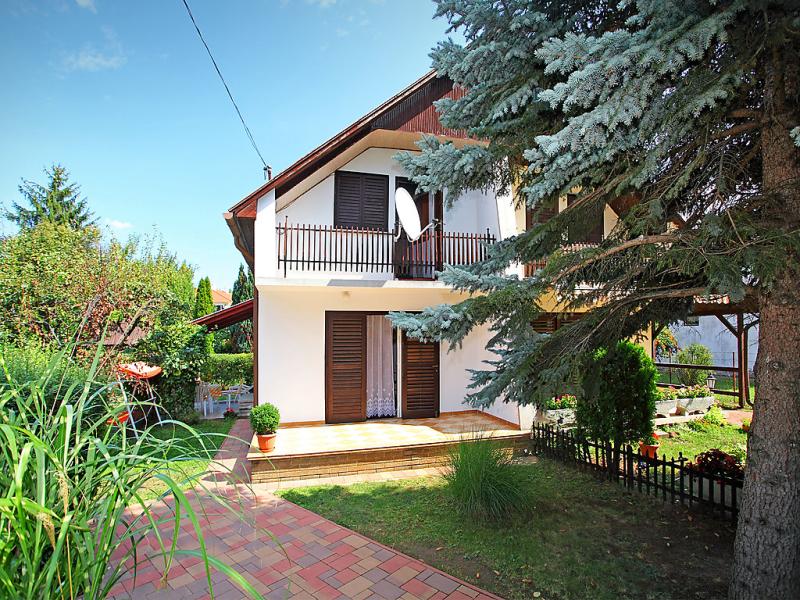 1485941,Vivienda de vacaciones en Balatonfoldvar-Balatonszarszo, Balaton Somogy, Hungría para 4 personas...