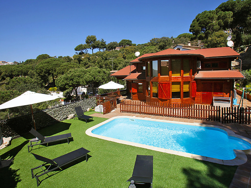 1485985,Villa  con piscina privada en Mataró, Costa del Maresme, España para 12 personas...