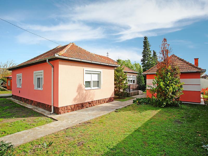 1486436,Villa en Balatonfenyves, Balaton, Hungría para 4 personas...