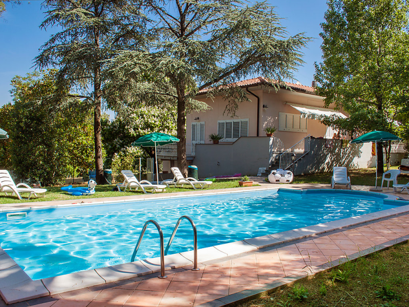 Barbara 1487297,Apartamento en Castiglioncello, en Toscana, Italia  con piscina privada para 4 personas...