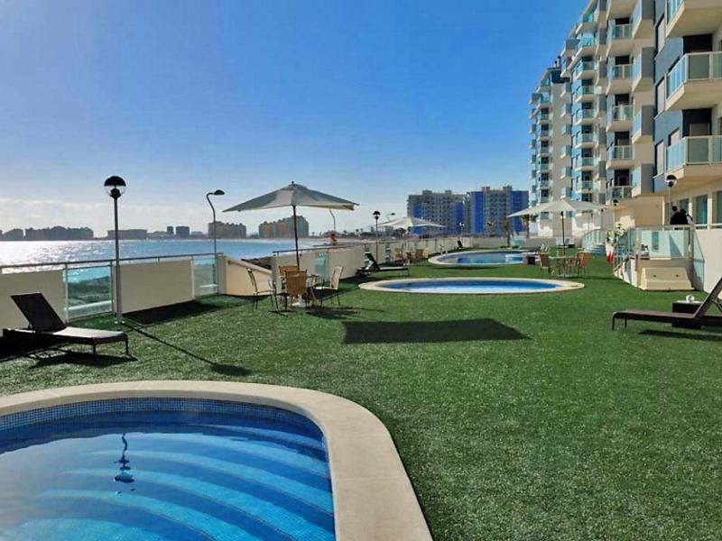 Euromarina towers 1487804,Apartamento en La Manga Del Mar Menor, Murcia, España  con piscina privada para 4 personas...