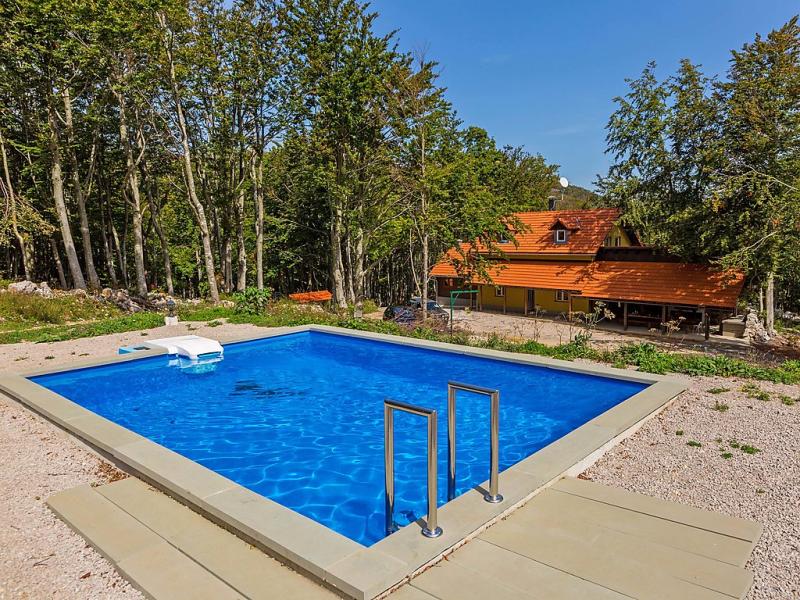 1488296,Vivienda de vacaciones  con piscina privada en Senj, Lika-Senj, Croacia para 8 personas...