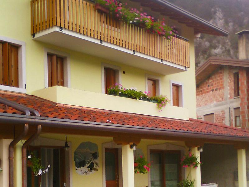 Albergo diffuso  cjasa madona 1488494,Vivienda de vacaciones en Lago di Barcis, Dolomites, Italia para 5 personas...
