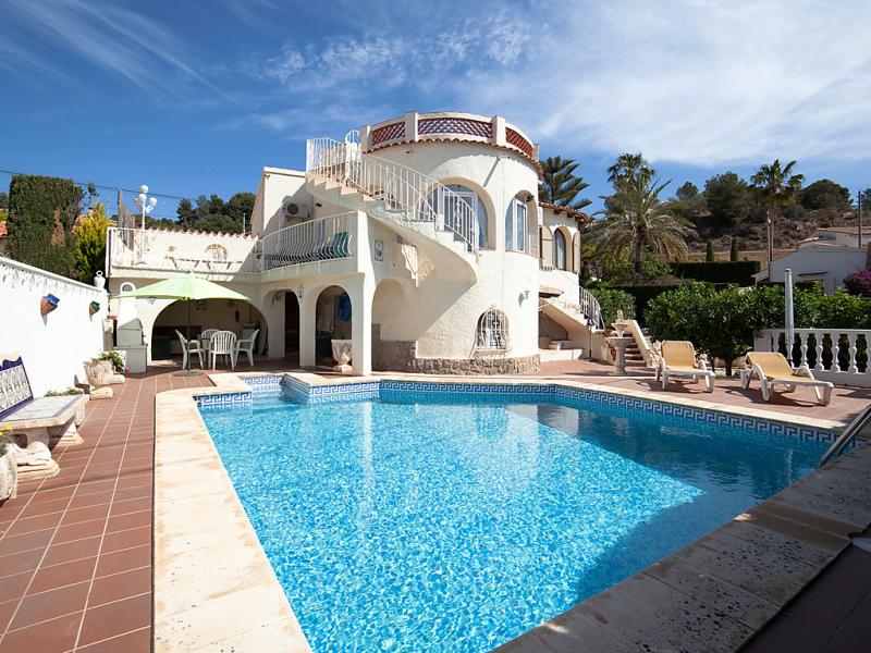 Casa helbor 1488860,Villa en Calpe, en la Costa Blanca, España  con piscina privada para 8 personas...
