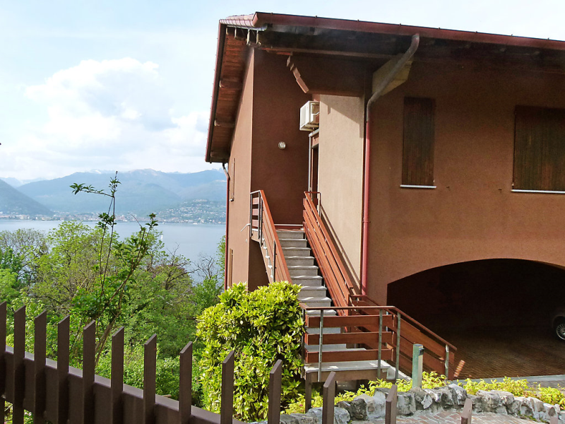 1488897,Apartamento en Laveno, Lake Maggiore, Italia para 4 personas...