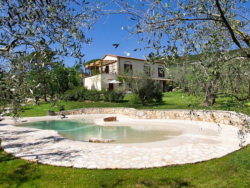 1489120,Vivienda de vacaciones  con piscina privada en Campiglia Marittima, en Toscana, Italia para 2 personas...