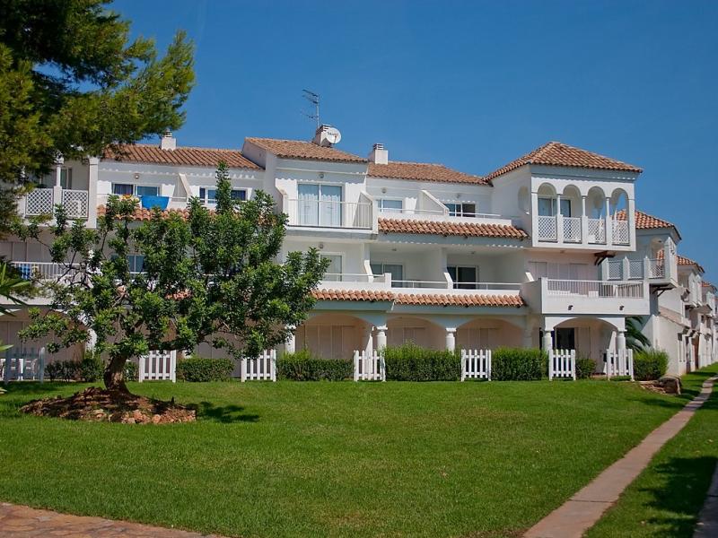 Residencial alandalus 46 1490811,Apartamento en Alcocéber-Alcossebre, Costa del Azahar, España  con piscina privada para 6 personas...