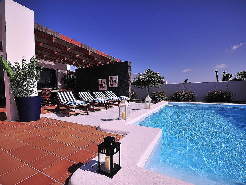 Bellavista 1490926,Vivienda de vacaciones  con piscina privada en Playa Blanca, Lanzarote, España para 4 personas...