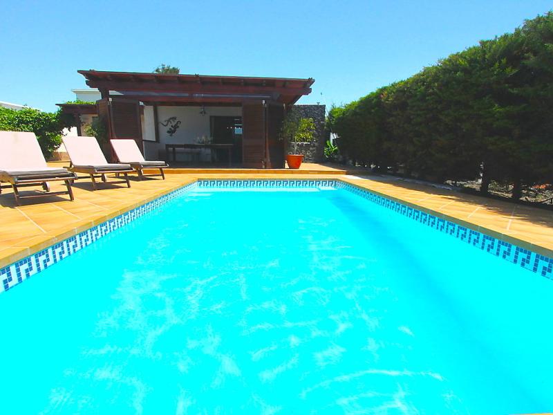 Villa mango ii 1491257,Vivienda de vacaciones en Playa Blanca, Lanzarote, España  con piscina privada para 6 personas...