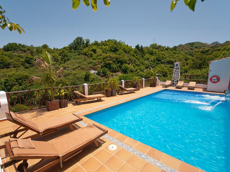 Nanita 1491741,Vivienda de vacaciones en Moya, Castilla-La Mancha, España  con piscina privada para 2 personas...
