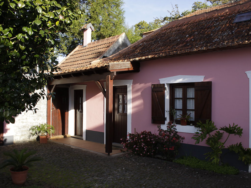 Casa rosa 1491890,Vivienda de vacaciones en Madeira-Camacha, Madeira, Portugal para 2 personas...