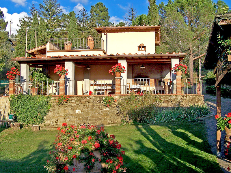Podere berrettino 1491920,Villa  con piscina privada en Reggello, en Toscana, Italia para 6 personas...