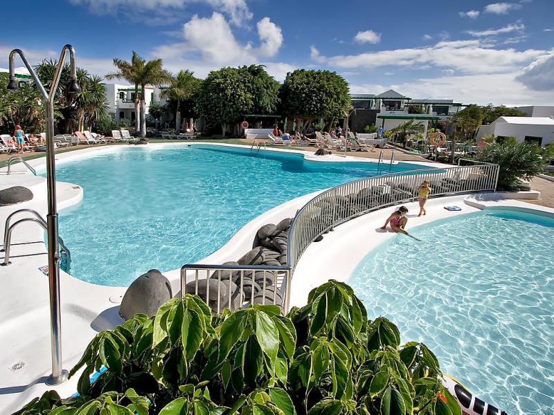 Lomo 1491921,Apartamento  con piscina privada en Puerto del Carmen, Lanzarote, España para 3 personas...