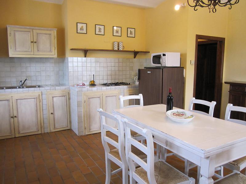 Quiete 1492042,Apartamento  con piscina privada en Cortona, en Toscana, Italia para 6 personas...