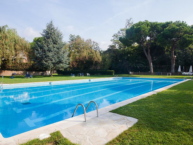 1492056,Vivienda de vacaciones  con piscina privada en El Masnou, El Masnou, España para 6 personas...