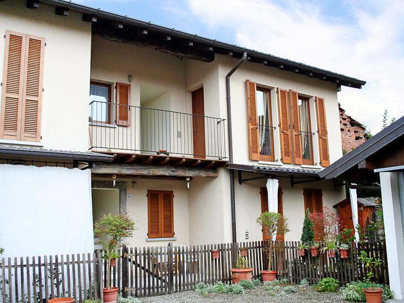 Maria 1492091,Apartamento en Ispra, Lombardia, Italia para 4 personas...