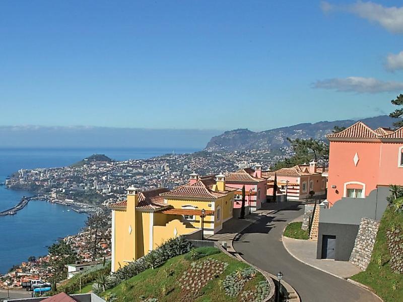 Village 3 bed sea view 1492199,Vivienda de vacaciones  con piscina privada en Madeira-Funchal, Madeira, Portugal para 6 personas...