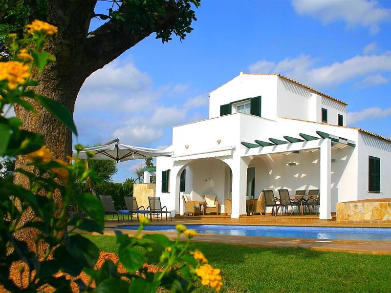 Villas finesse villas 3 dorm 1492350,Vivienda de vacaciones en Son Bou, Minorca, España  con piscina privada para 6 personas...