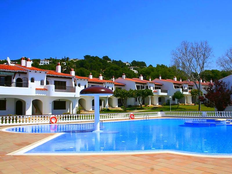 Son bou gardens apt 2 dorm 1492426,Apartamento en Son Bou, Minorca, España  con piscina privada para 4 personas...