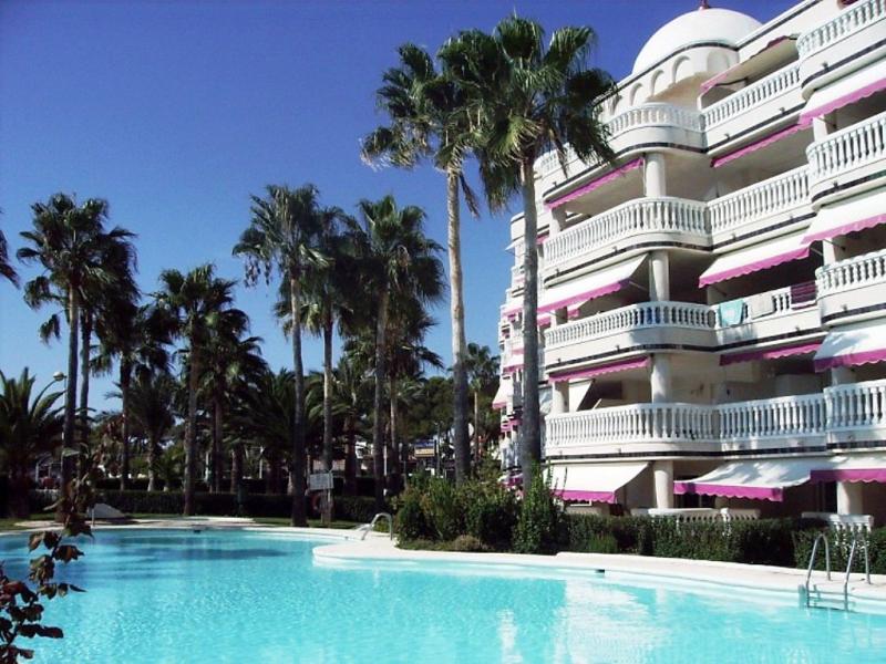 Casablanca 46 1492475,Apartamento en Alcocéber-Alcossebre, Costa del Azahar, España  con piscina privada para 6 personas...