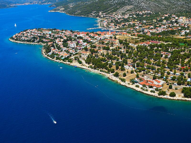 1492857,Vivienda de vacaciones  con piscina privada en Trogir-Vranjica, Central Dalmatia, Croacia para 6 personas...