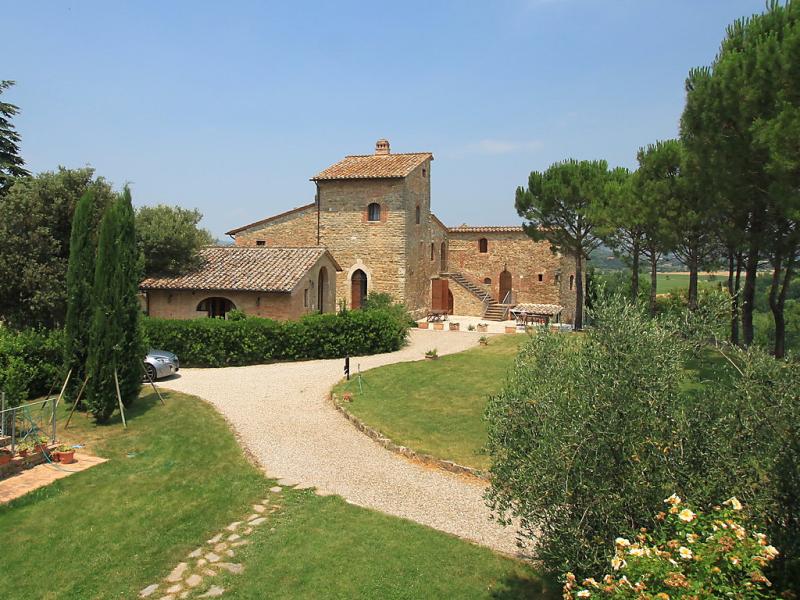 Borgo monticelli 1492922,Apartamento  con piscina privada en Perugia, Umbria, Italia para 6 personas...