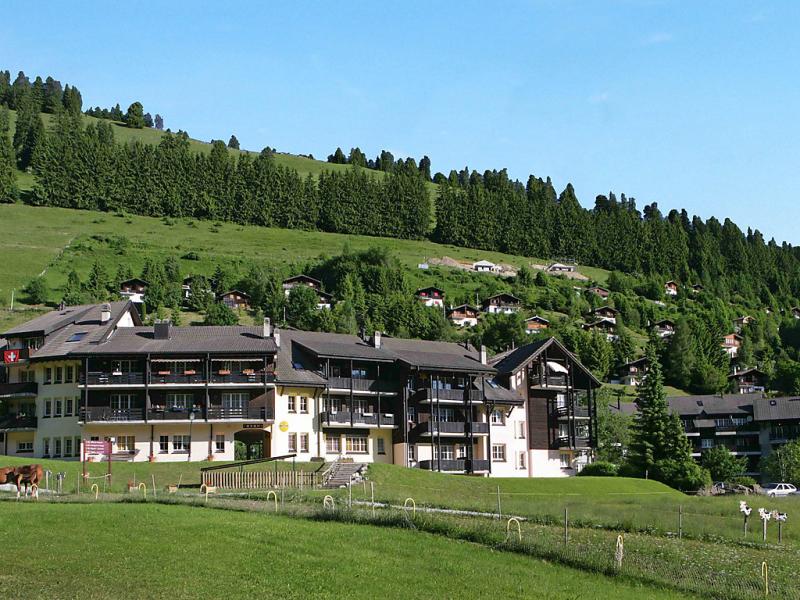 Molson 141371,Cuarto de hotel en Moléson-Sur-Gruyères, Freiburg, Suiza para 4 personas...