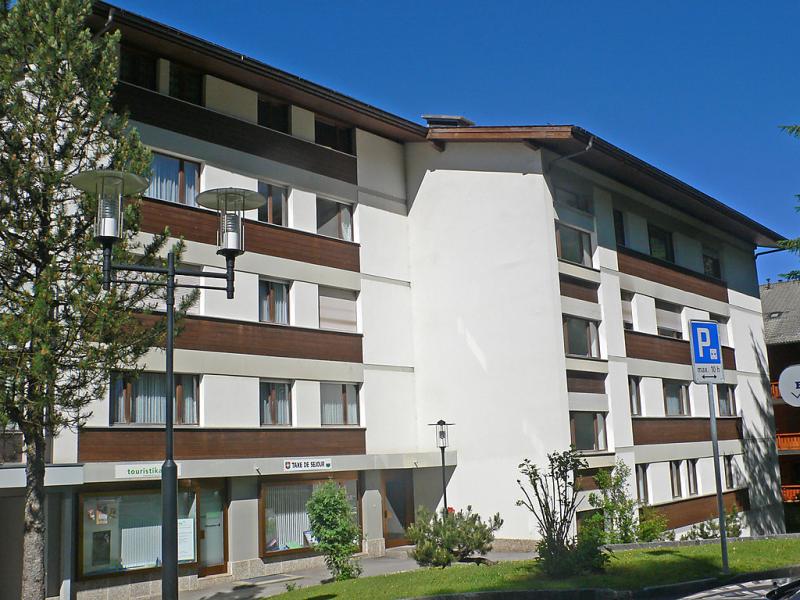 Gamateurotel 141468,Cuarto de hotel  con piscina privada en Villars, Alpes Vaudoises, Suiza para 2 personas...