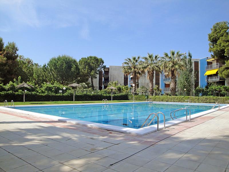 Urb reusmediterrani 146790,Cuarto de hotel  con piscina privada en Cambrils, Catalunya, España para 6 personas...