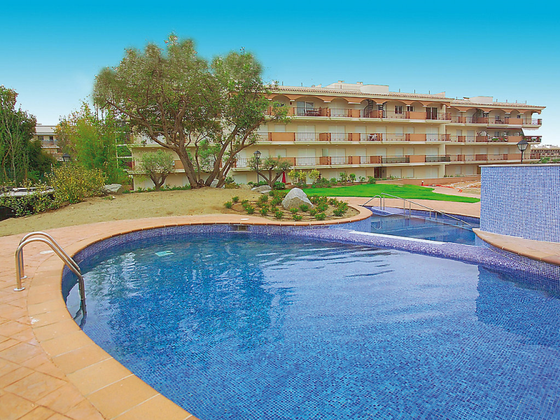 Casa martinez 147040,Cuarto de hotel en St Carles de la Ràpita, en la Costa Dorada, España  con piscina privada para 4 personas...