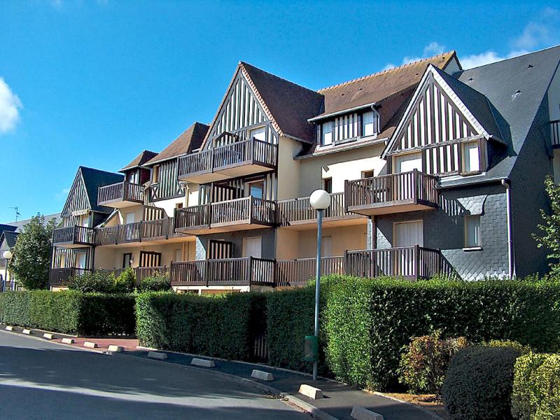 Fleur marine 148149,Cuarto de hotel en Cabourg, Normandy, Francia para 4 personas...