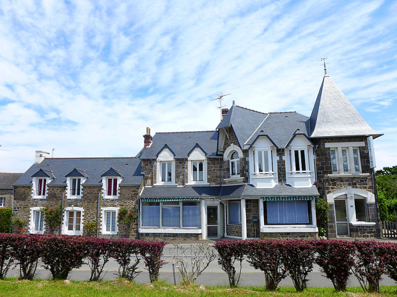 Le petit robinson 148461, Hotel room in Dinard, Brittany, France for 4 persons...