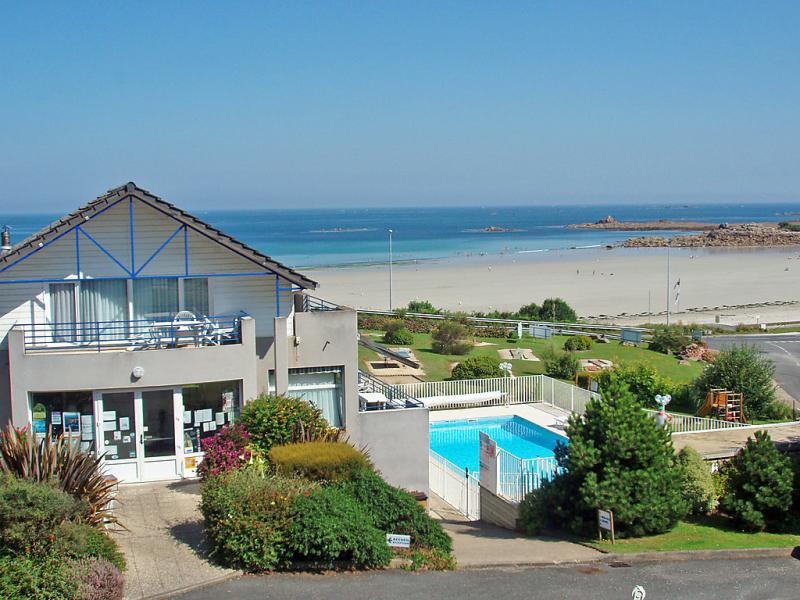 Les terrasses de trestel 148522,Cuarto de hotel  con piscina privada en Trévou, Brittany, Francia para 5 personas...