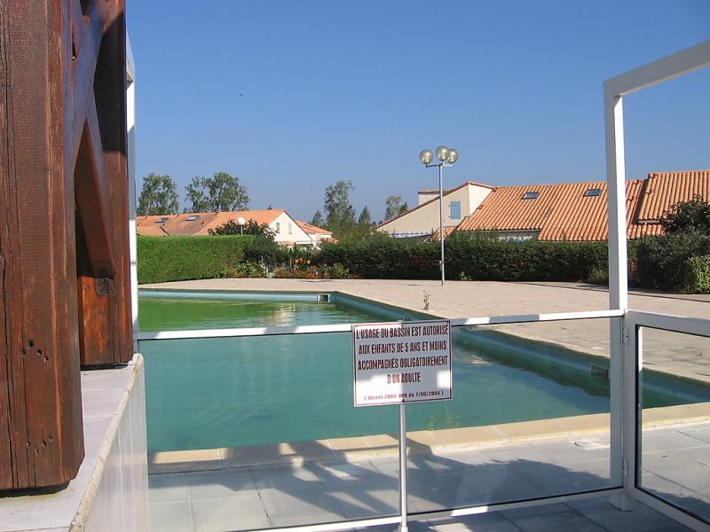Les charmilles 148646,Cuarto de hotel  con piscina privada en La Palmyre, Charente-Maritime, Francia para 6 personas...